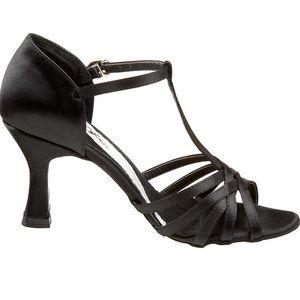 "Capezio Women's Giselle 2.5"" Flared Heel Shoe"